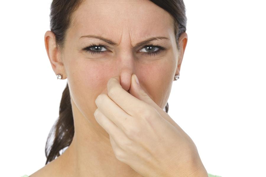 запах от выделений у женщины